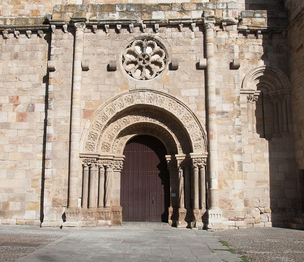 Iglesia de san juan bautista en zamora for Diseno de interiores zamora